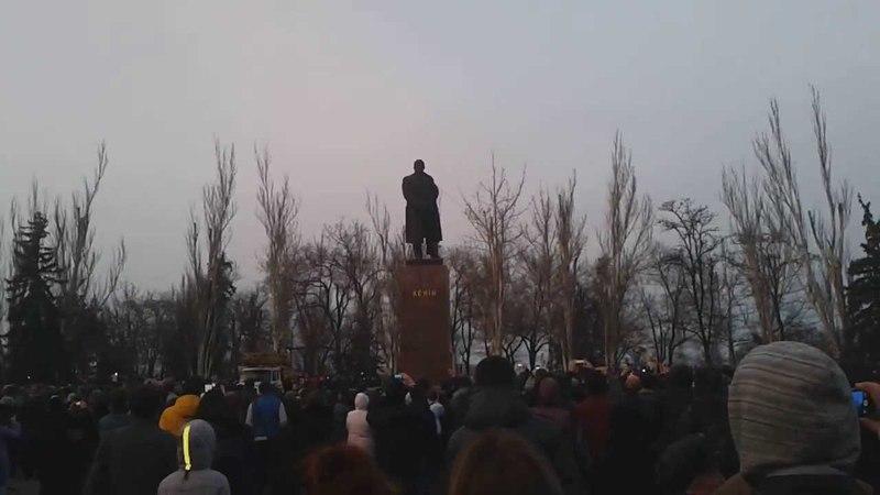 В Николаеве снесли Ленина