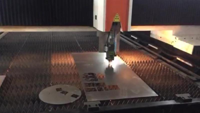 Станок лазерной резки с ЧПУ ... Волоконный лазер 1кВт