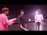 Кёнсу избивает Чанёля