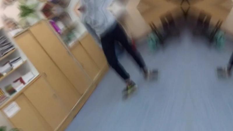 Как наши класс танцует