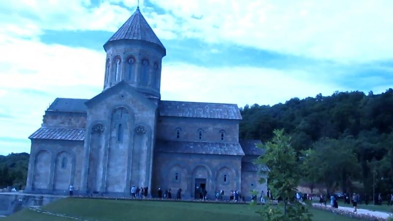 Монастырь в Бодбе. Праздник св. Нино 1 июня.