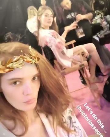"Victoria's Secret Spain on Instagram: ""@alexinagraham @lovegrace_e vsfs2017 vsfashionshow keepingupwvsfs2017 graceelizabeth alexinagraham bac..."