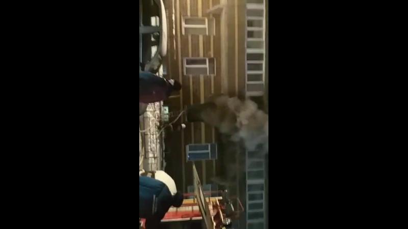 Пожар в Мурино, бульвар Петровский 7, секция В, горит квартира на первом этаже 12.02.2018