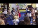 Зажигательный танец на празднике 8 марта в детском саду у Аделины