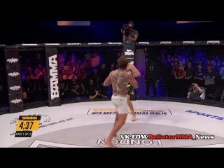 Аарон Чалмерс отправляет противника в глухой нокаут (720p).mp4