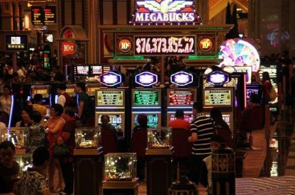 Картина художника а казино падение фаэтона 1979год игровые автоматы новодвинск апрель 2016