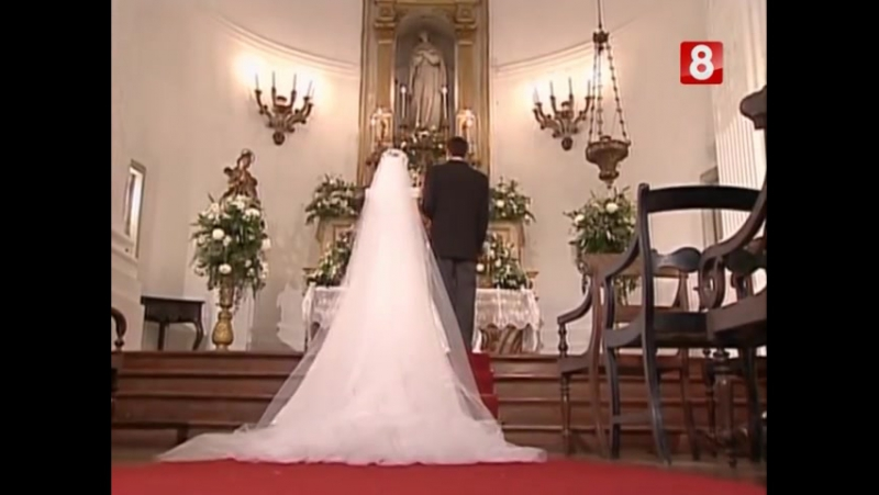 Wedding scene from Anjo Mau with Gloria Pires