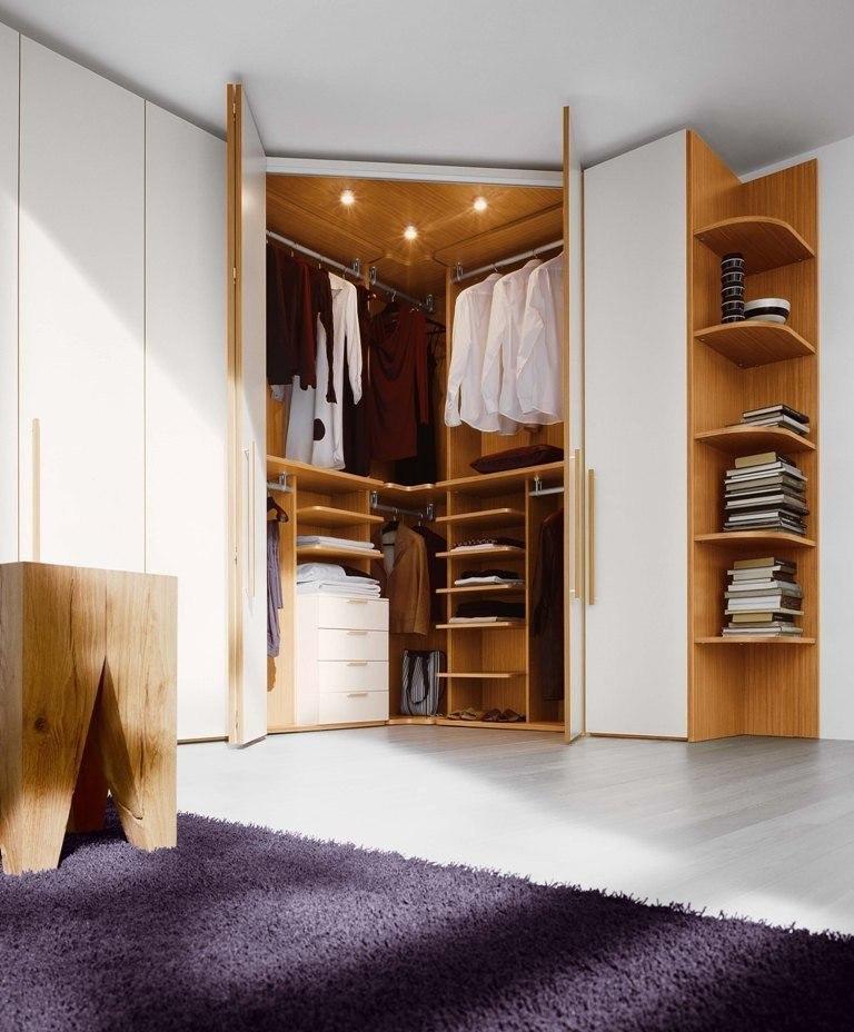 Угловой шкаф — гардеробная