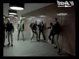 Ceza - Dark Places (feat. Tech N9NE)(реперы против скинхедов)
