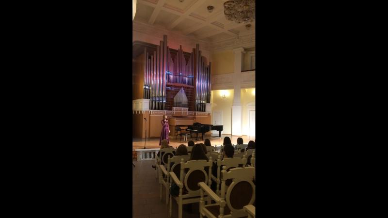 Полина Шароварова студентка 3 курса ОМУ Шебалина В Юбилейном концерте выпускников ДШИ 4