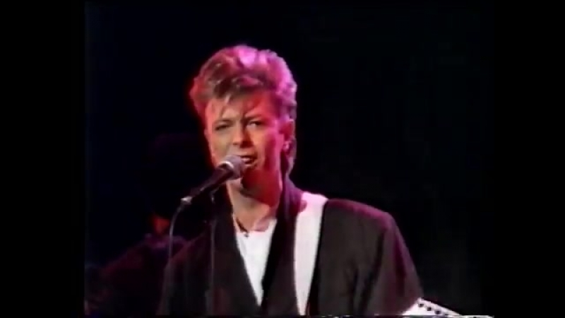 David Bowie - Young Americans - Tivoli 87 Part 1 of 3
