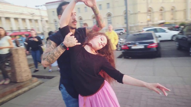 Zouk Open Air. Carlos Oliveira and Julia. (Mini World)