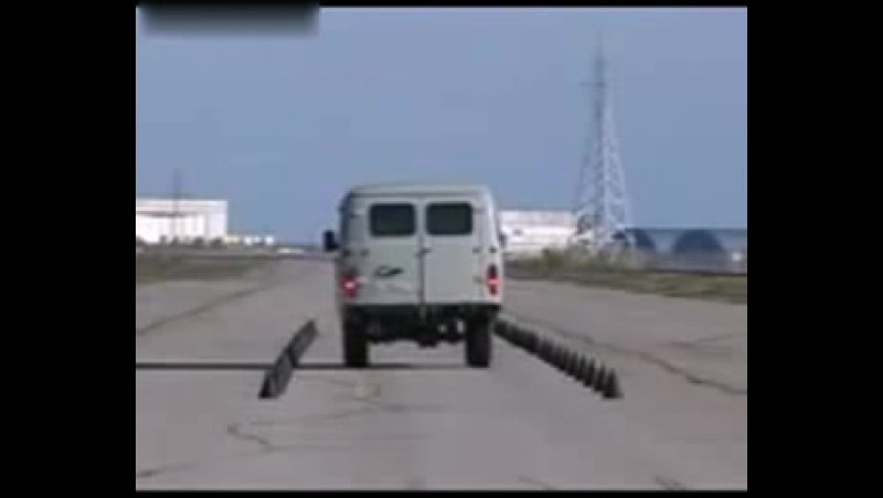 EuroNCAP УАЗ буханка. А еще говорят у УАЗа нет тормозов! Еще какие есть...!)
