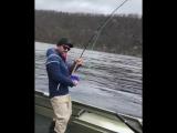 Сергей Шнуров рыбачит в Мурманской области