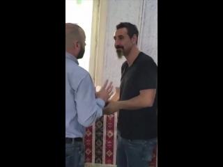 Ереванские будни Сержа Танкяна.