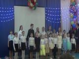 Вокальная сборная школы №44 с песней- поздравлением.