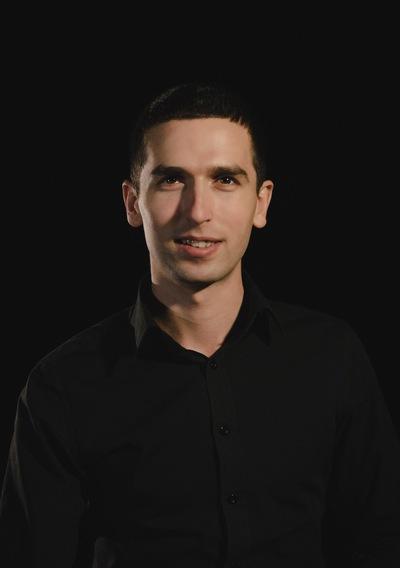 Артем Акопов