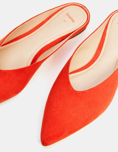 Красные туфли-мюли
