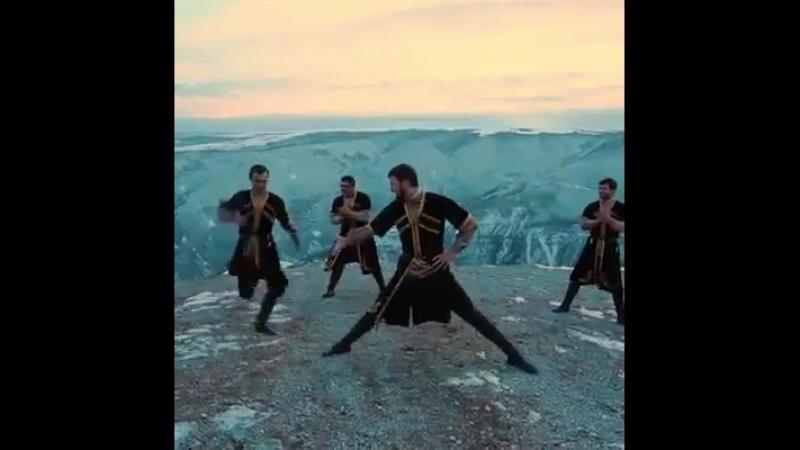 Лезгинка по азербайджански.