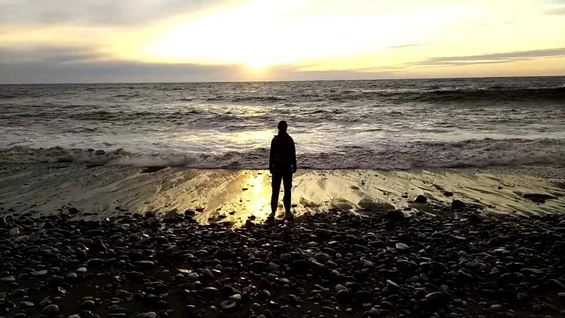 Сухум, Абхазия. Ловись волна, большая и маленькая!