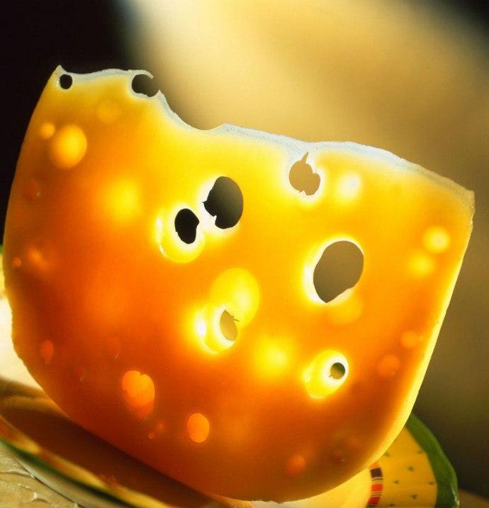 сыр с дырками