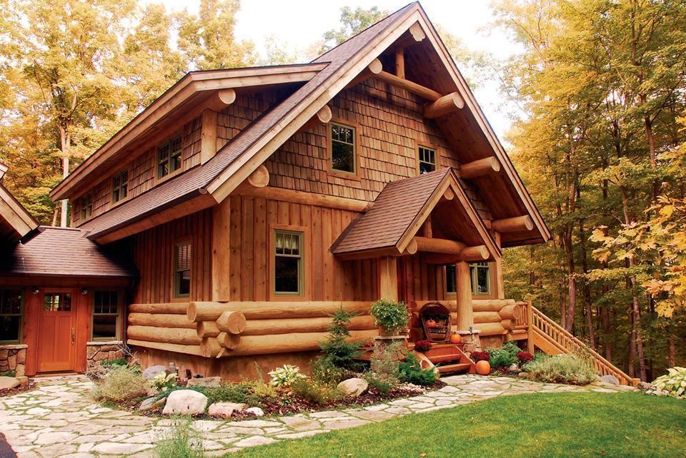 Преимущества деревянных домов. Энергетически эффективный. Дерево является естественным изолятором и очень эффективно изолирует холод и тепло. Это означает экономию значительного количества энергии по сравнению с каменными, бетонными и кирпичными домами. Помимо хорошего теплового изолятора, древесина также является отличным поглотителем шума, что делает ...