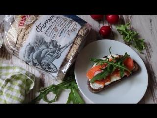 Датский бутерброд с копченым лососем и редиской (smorrebrod with salmon)