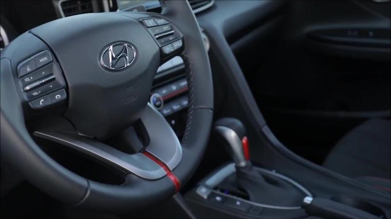 2018 Hyundai Veloster. Новое поколение корейского ассиметричного хэтчбека