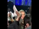 Леди Гага спускается к поклоннице Live @ Joanne World Tour Лас Вегас США 16 12 2017