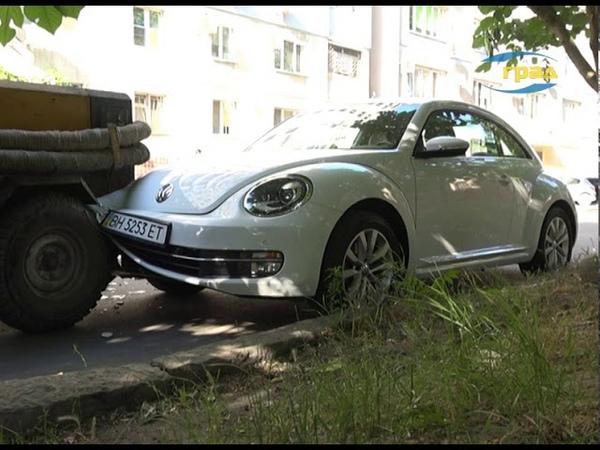Продолжается розыск водителя Audi, который скрылся с места ДТП