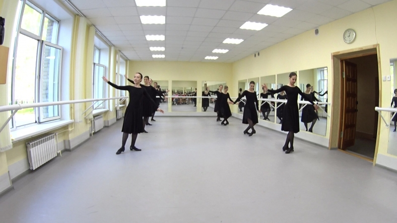 Показ. Народно-сценический танец. 2-й семестр. Часть 2
