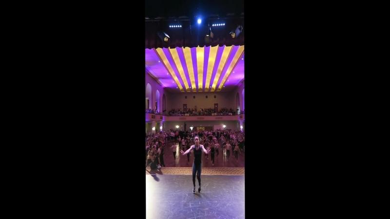 Maddie and Mackenzie Tour: Melbourne, Australia 2018