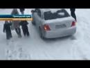В Приморье из-за снегопада в ДТП попал экскаватор