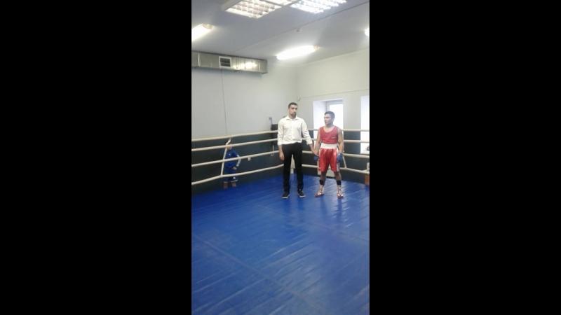 Соревнование по боксу среди 2004-2005 г. р. и 2006-2007 г. р. г. Мытищи 17.02.2018 г. Победа. Нокаут во 2 раунде. 1 Место
