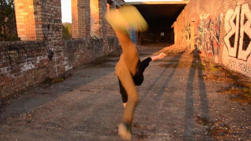 Bboy Frizi two (Street dancers)