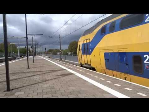 VIRM naar Den Haag Centraal vertrekt vanaf Station Almere Centrum!