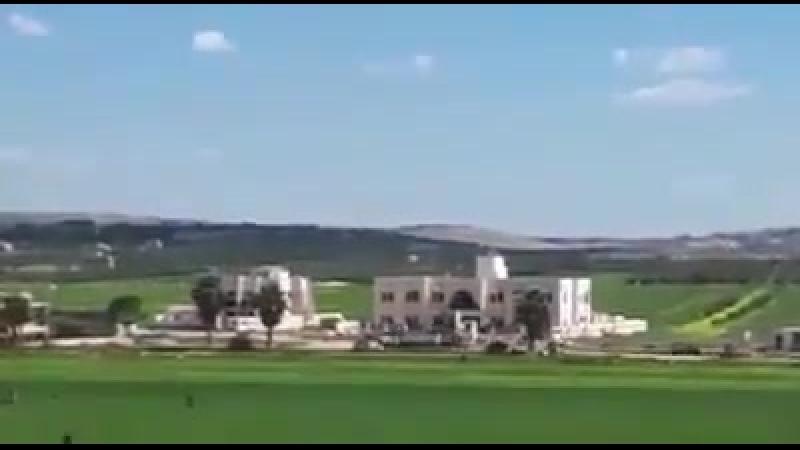Une énorme bombe thermobarique russe détruit le palais de justice de Al Nusra à Idlib, de nombreux djihadistes neutralisés