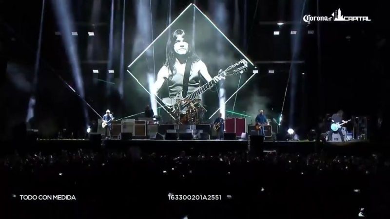 Foo Fighters - Let There Be Rock (AC_DC cover) - Corona Capitol, Mexico City, Me (1)