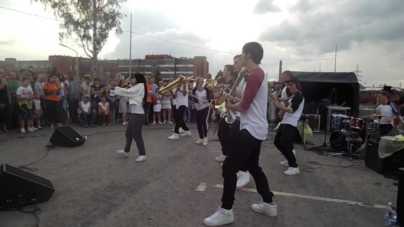 Молодежный шоу-оркестр «Street Band» (Санкт- Петербург). «Оторвемся по-питерски»