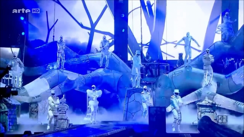 Cirque Du Soleil - Is It Scary_Thriller live Immortal Tour (not full)