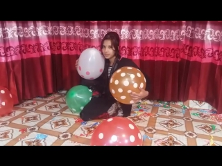 Lovely fun factory - [100 balloon challenge] extreme balloon challenge । lovely girl playing balloons