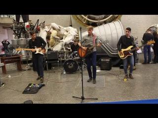 SilverHeads! - Wonderwall (Oasis cover) (музей космонавтики, калуга, 04.11.17)
