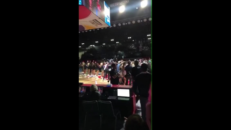 February 16: Another video of Justin at the NBA All-Star Game Celebrity Game in Los Angeles, California.
