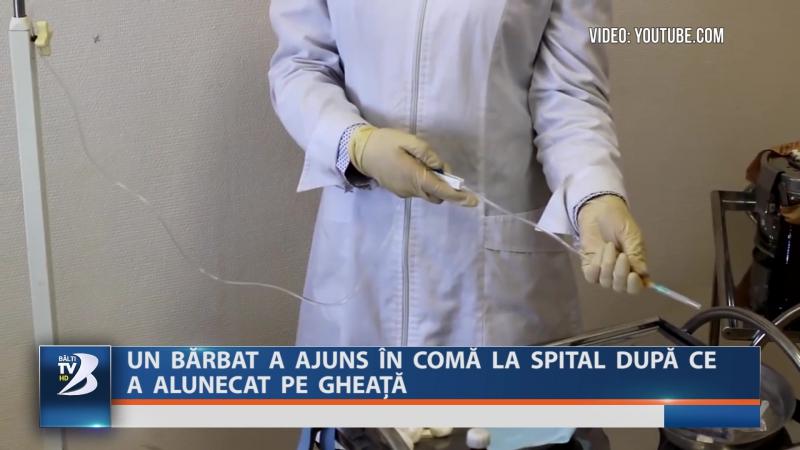 Un bărbat a ajuns în comă la spital după ce a alunecat pe gheață