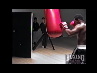 Mike Tyson Wrecks Heavy Bag and his Trunks in Tokyo