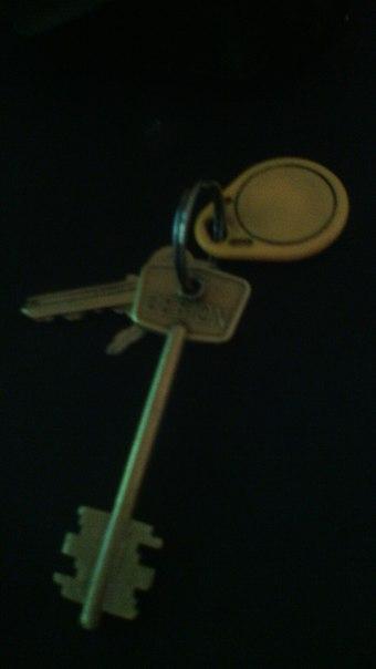 Найдены ключи в парке 1905 года на горке около славянки отзовитесь пис