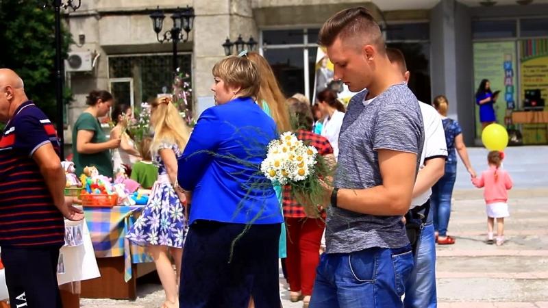 Цветочный Базар на площади Юности Комсомольска-на-Амуре