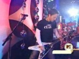 Foo Fighters ft. Jack Black - Back In Black (Live @ MTV New Year Pajama Party 2003)