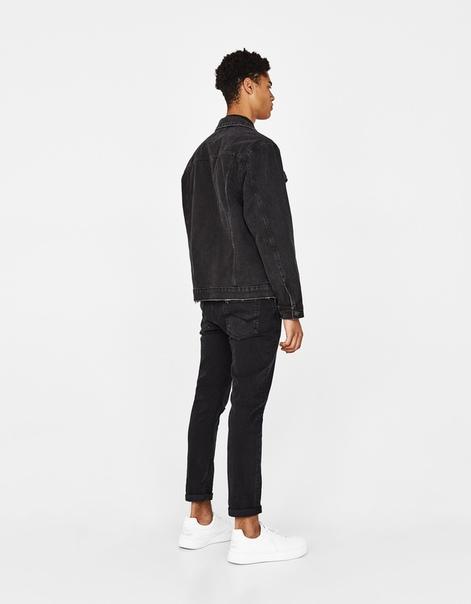 Джинсовая куртка с разрывами