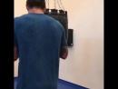 Василий Ломаченко со шваброй суетится вокруг Александра Усика видео